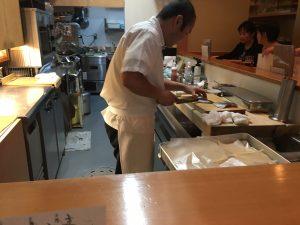 調理中の沖田さん
